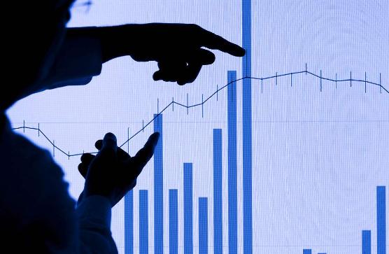 股市直播间:沪指窄幅震荡翻红 地产、钢铁领涨两市