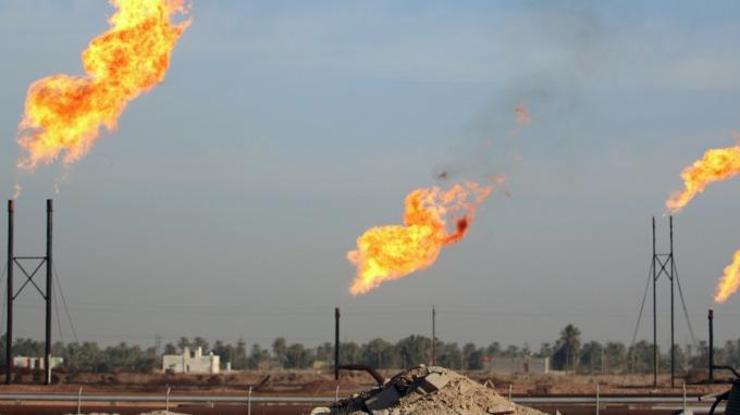 美国产量高企叠加贸易战担忧 原油遭遇重创
