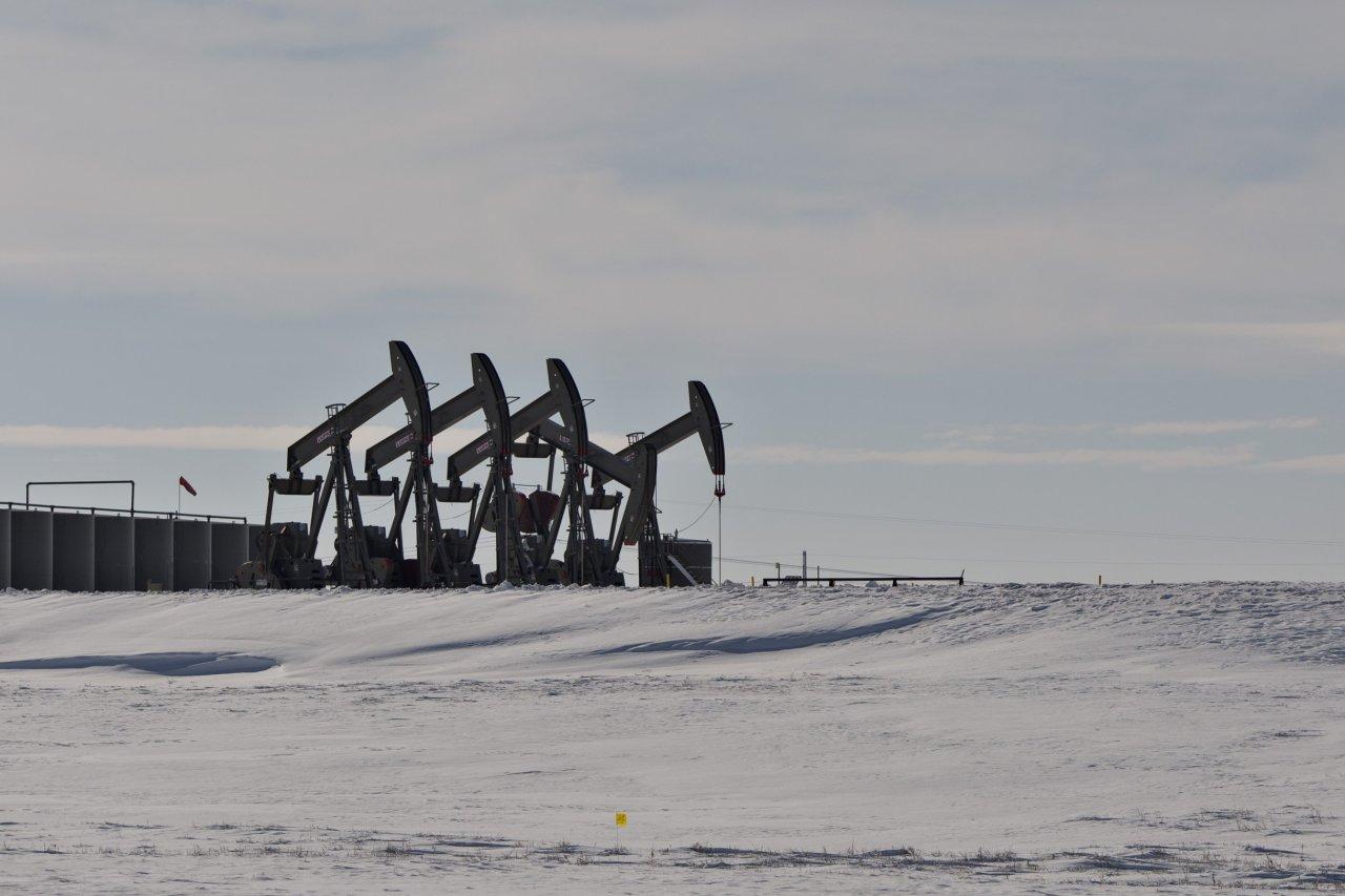 贸易战担忧升温美股暴跌 拖累原油震荡走低