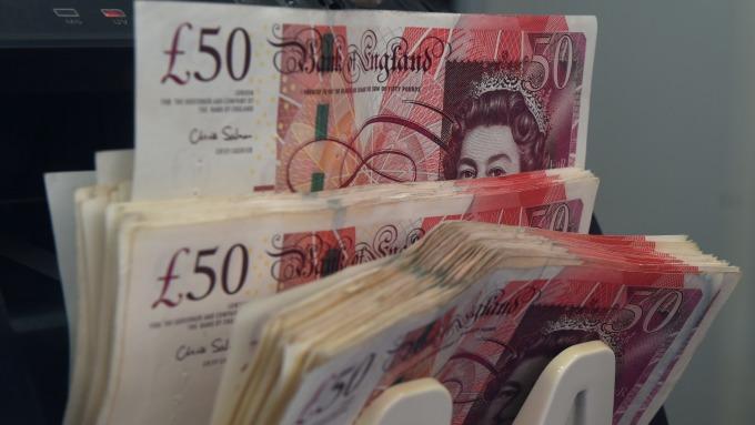 美元延续涨势 英镑逆势上行
