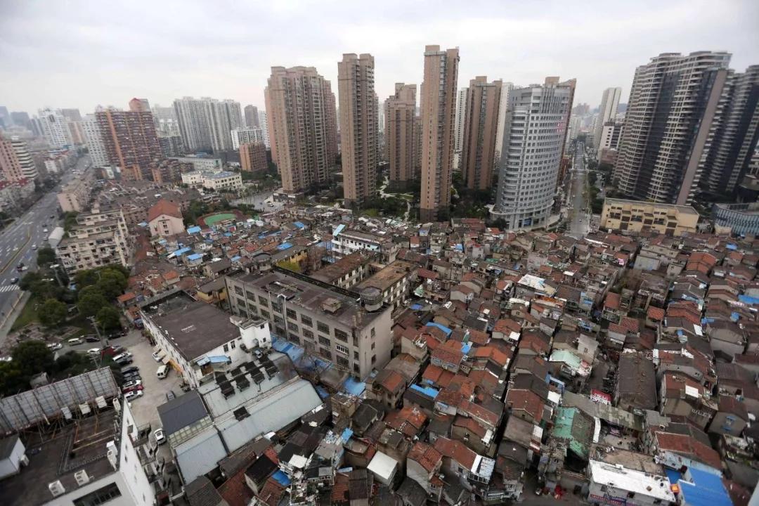 """天价公寓被质疑""""以租代售"""" 万科回应具体方案还在考量中"""