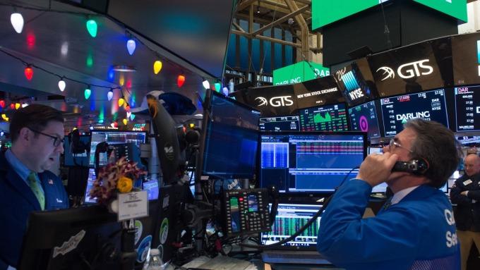 CPI低于预期升息担忧消退道琼上涨逾220点