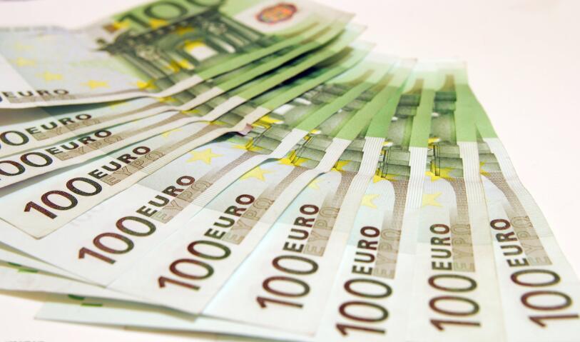 欧元加速反攻 就业疲弱加元急跌