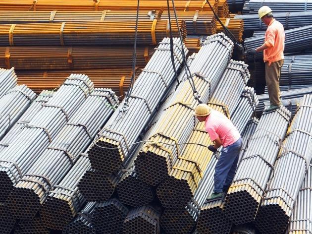 股市直播间:沪指盘中续创一年来新低 钢铁股全线走强