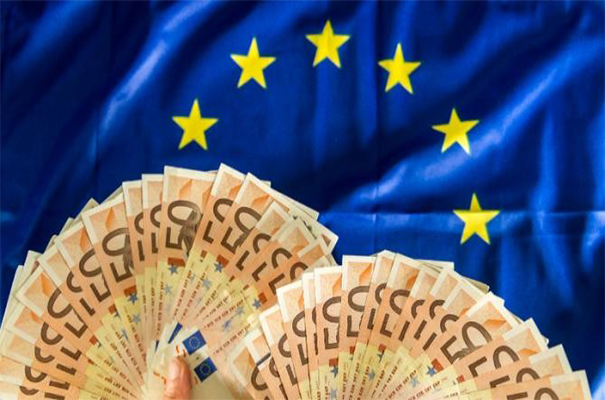 欧央行鸽派绞杀欧元 本周政治风险或占主导