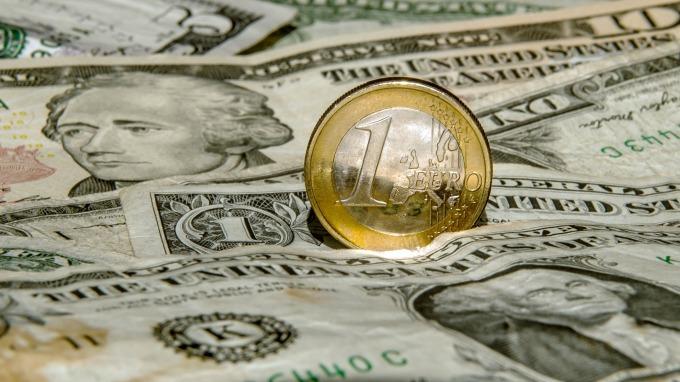 美元多头太拥挤德商银示警「火山上跳舞」的风险