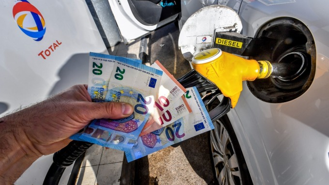 基本面与涨幅不符OPEC计划产量不一油价微涨