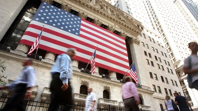 美国信用评级被下调了?美国政府遭遇债务危机?