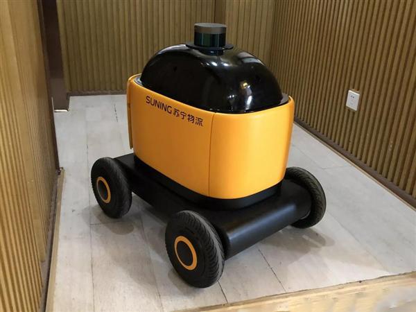 创意营销:苏宁自动送货机器人亮相 会自己乘电梯叫门