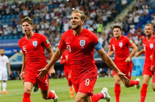 英格兰2-1绝杀突尼斯,凯恩补时破门完成梅开二度