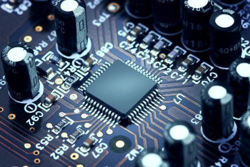 股票|华为携手微软进军AI芯片 受益概念股有这些、、、