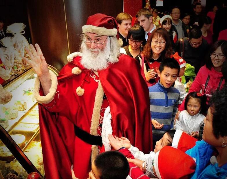 """财经资讯-义乌""""承包""""全球圣诞商品"""
