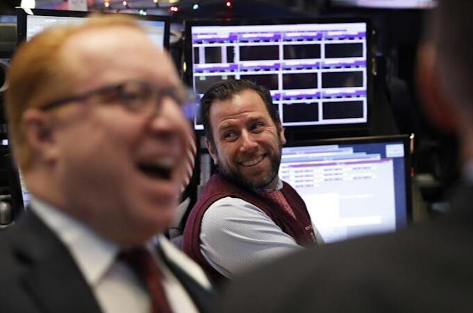 美股日志|银行股績佳 道指涨534点