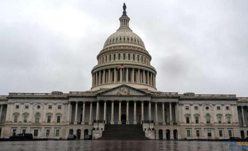 失业率飙升国会继续推进2万亿美元援助计划